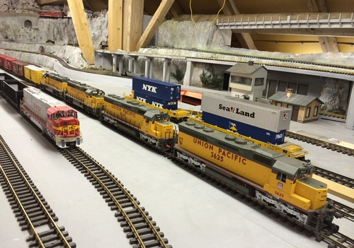 UP Freight G Scale SD45 indoor LGB Aristo USA Trains USAT Bachmann Container MTH RhB Luzern