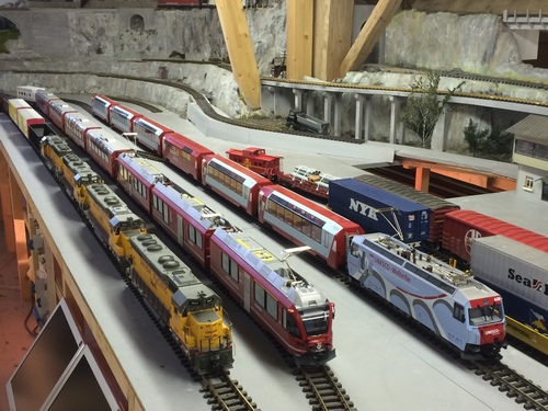 Main Station LGB USA Trains, Aristocraft, Model railroad, rr, up, Bahnhof, US- und RhB-Rollmaterial